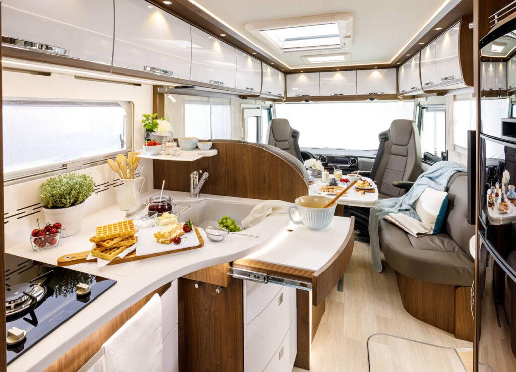autocaravana interior alquiler